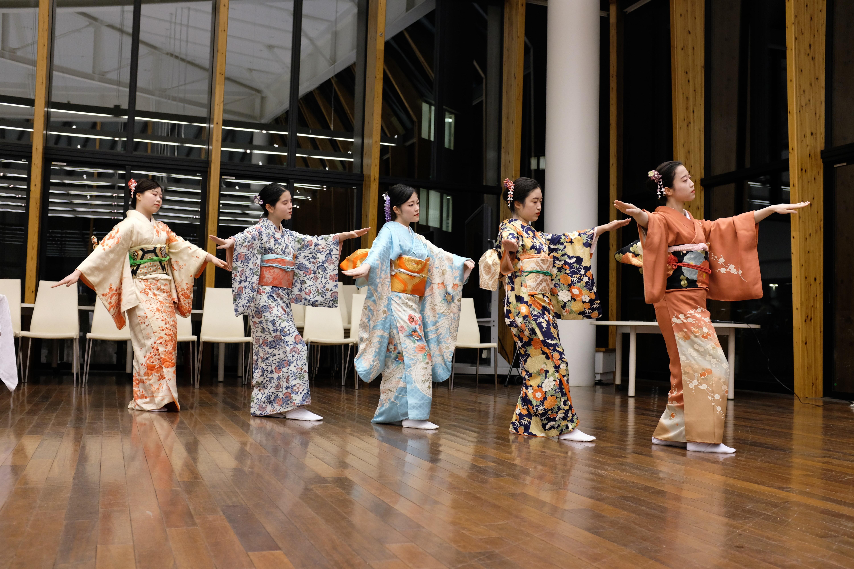 日本舞踊研究会のパフォーマンス_dance performance by the Japan Dance Study Group.JPG